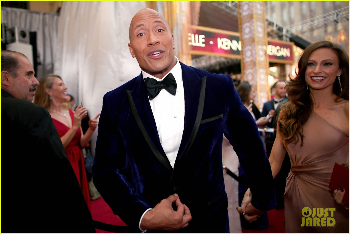 dwayne johnson 2017 oscars 043866789