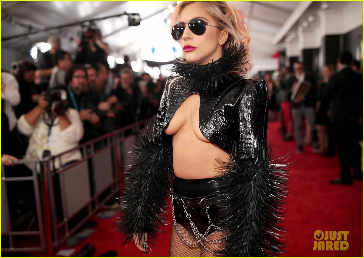 Lady Gaga Grammys: Lady Gaga's Grammys Manicure Featured Piercings