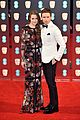 andrew garfield eddie redmayne matching in white at baftas 2017 05
