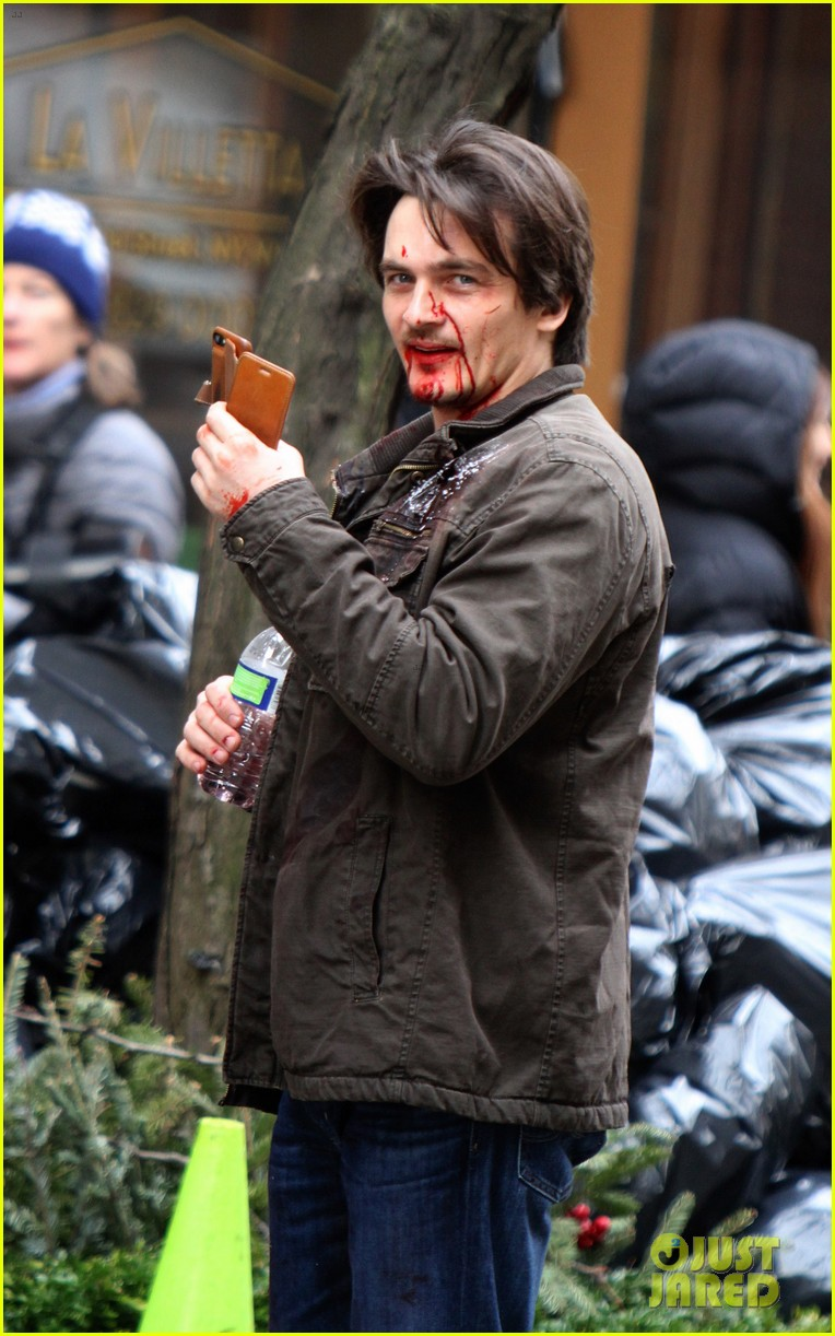 Car Sharing Nyc >> Rupert Friend is Bloody For 'Homeland' Car Crash Scene ...