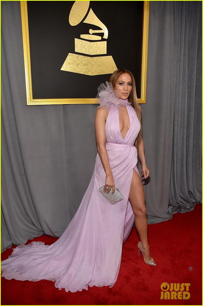 Jennifer Lopez Gushes Over Drake On Grammys 2017 Carpet Photo 3858191 2017 Grammys Drake