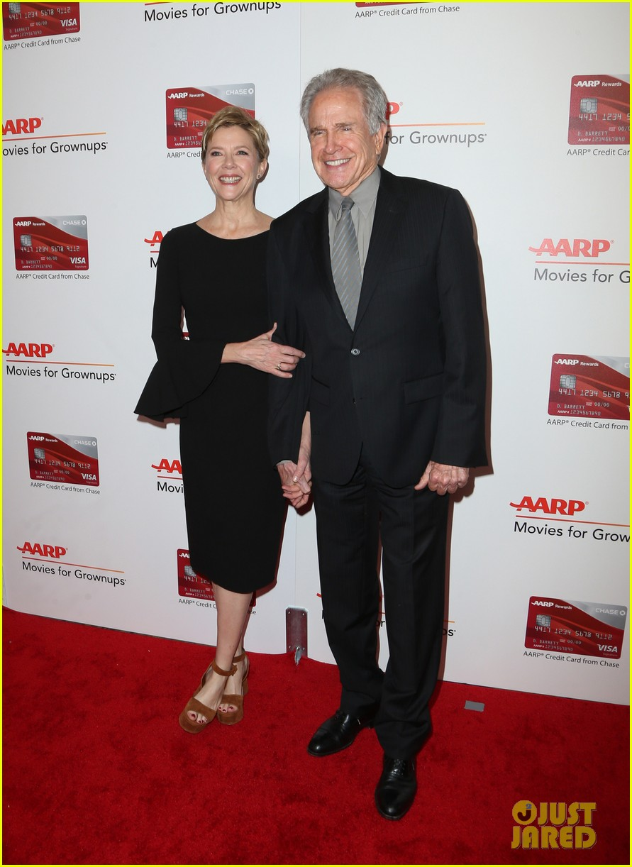 ruth neggas loving isabelle hupperts elle win big at aarps movies for grownups awards 033854682