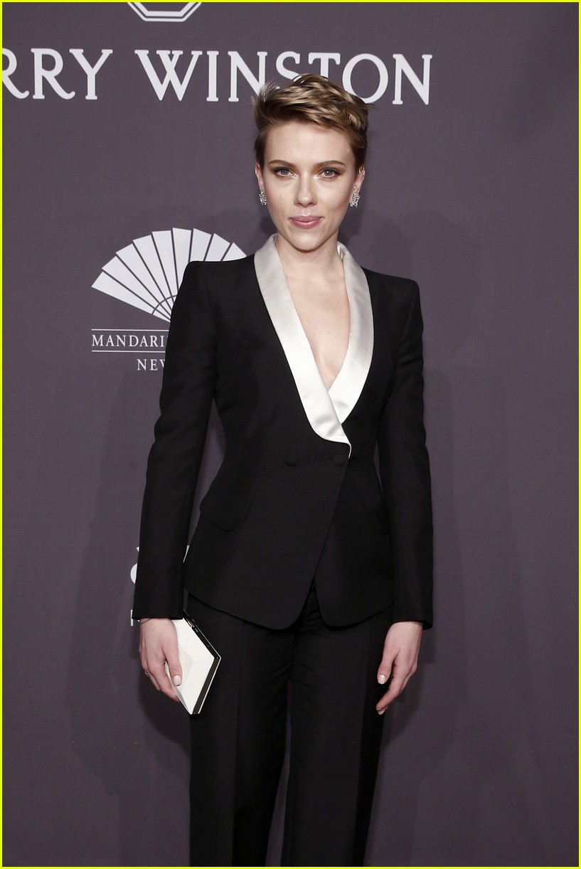 Full Sized Photo of scarlett johansson diane kruger amfar ... Scarlett Johansson 2017