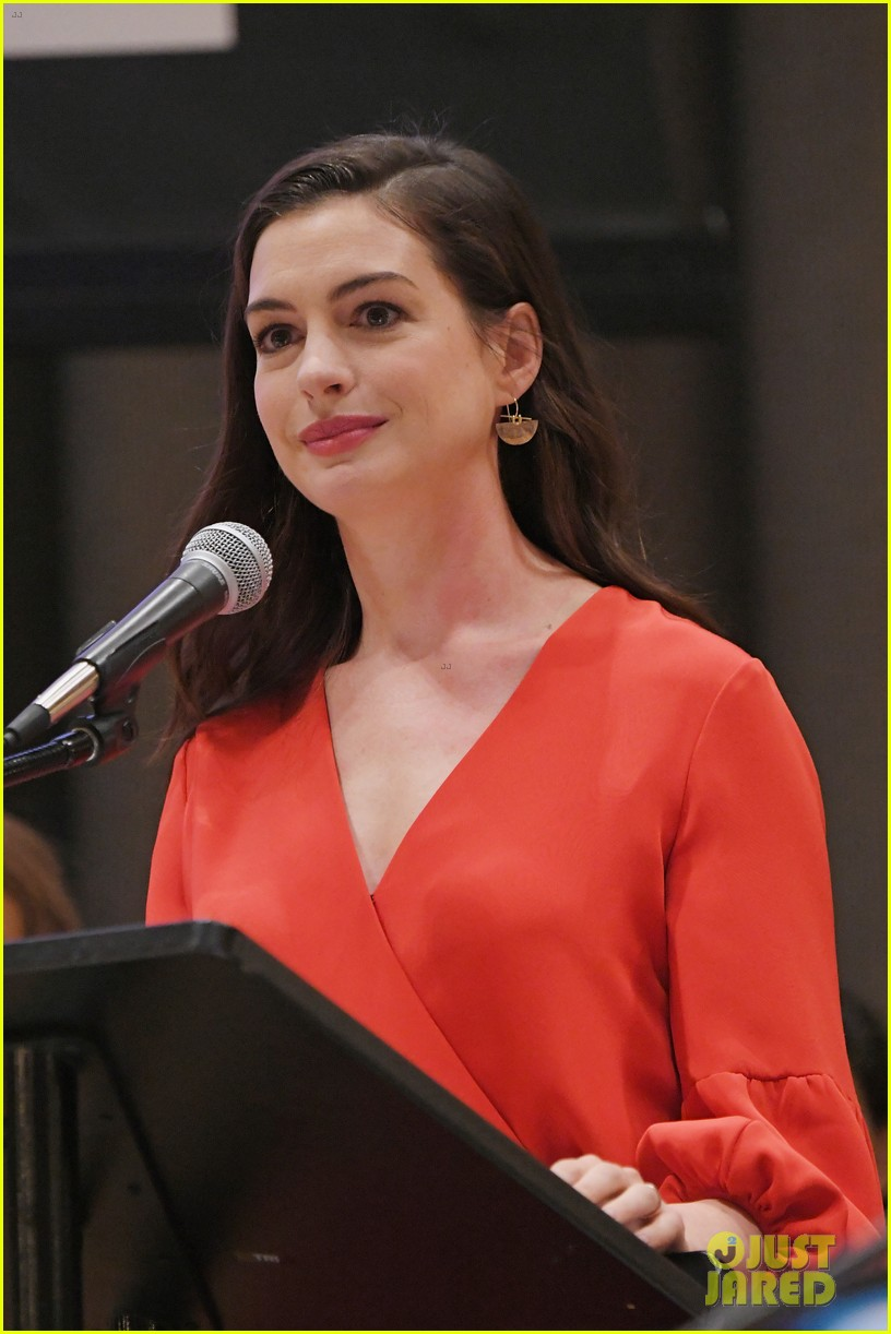 single women in hathaway In a new interview, anne hathaway reveals she's afraid she treated the female  director of one day with internalized misogyny.