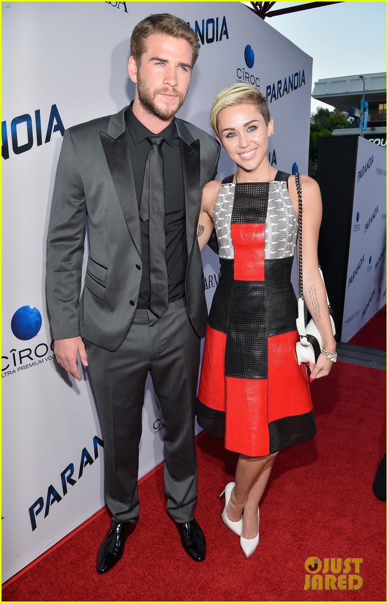 are miley cyrus and liam hemsworth married dad billy ray posts photo 053872296