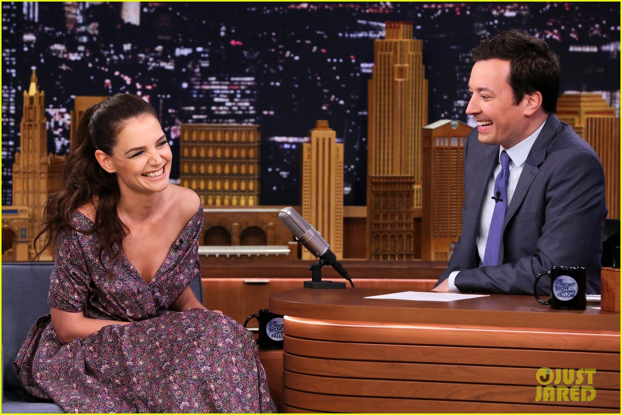 katie holmes andrew rannells face off on the tonight shows pup quiz 023880185