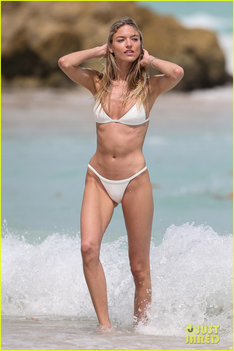 Martha Hunt Wears Her Bikini On The Beach In Miami Photo