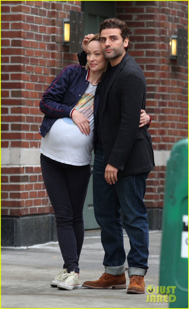 jason sudeikis visits olivia wilde on set 033878515