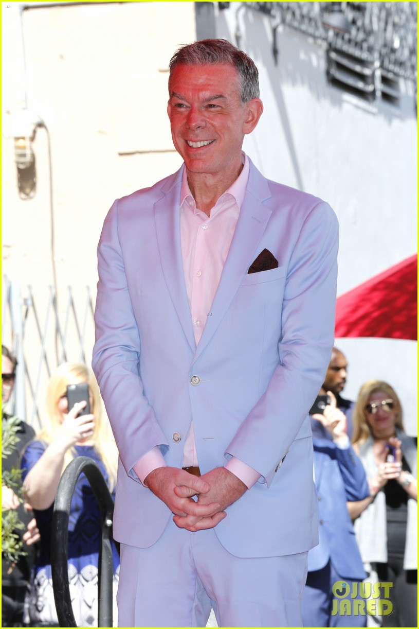Blue apron elvis duran - Chris Martin Honors Radio Star Elvis Duran At His Hollywood Walk Of Fame Ceremony Photo 3869483 Chris Martin Elvis Duran L A Reid Pictures Just