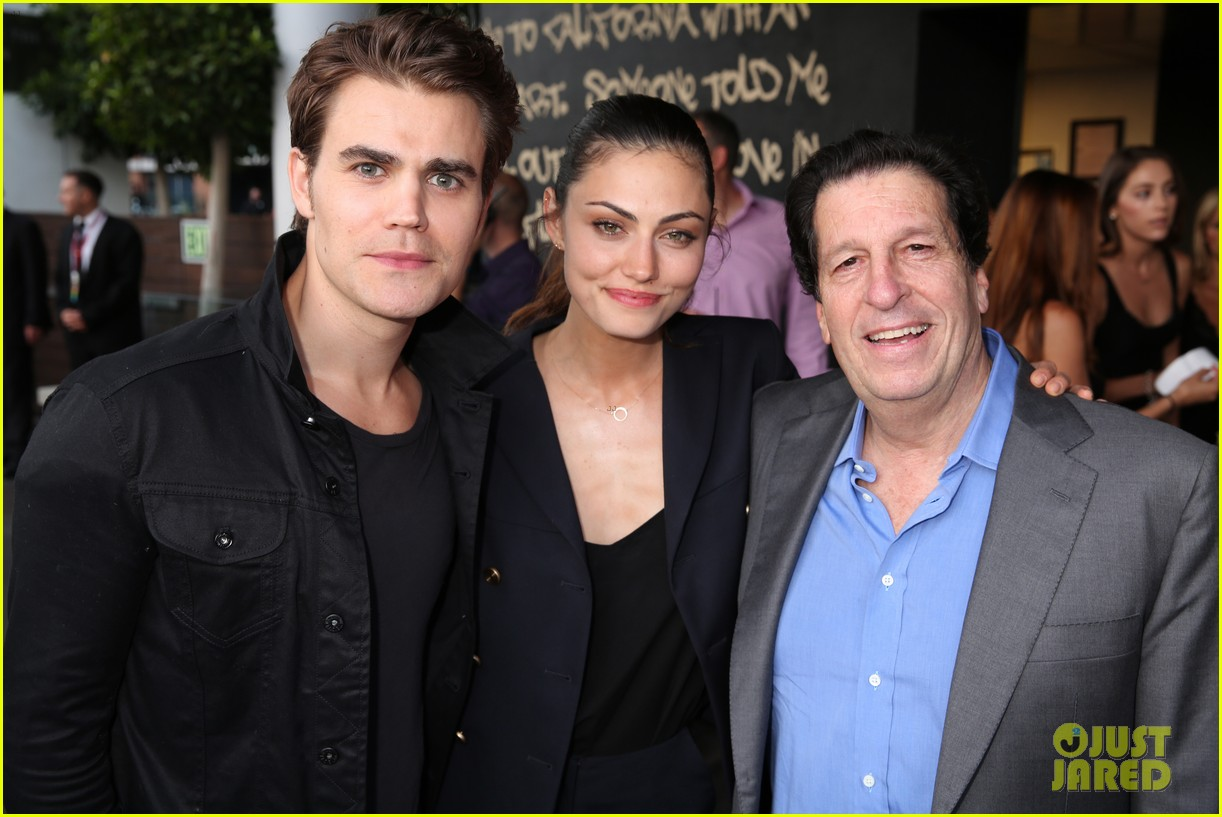 paul wesley phoebe tonkin break up 033871920
