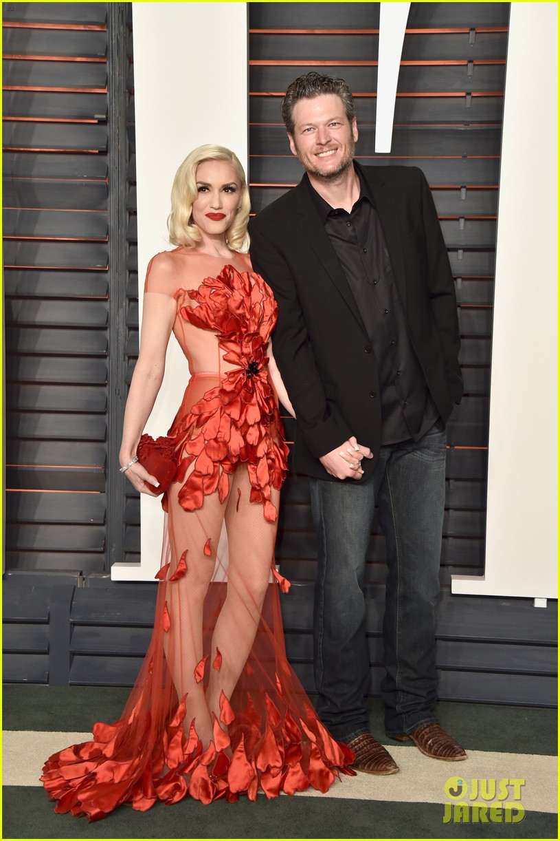 gwen stefani working with blake shelton 023873136