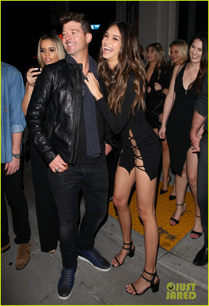 Robin Thicke Celebrates 40th Birthday with Girlfriend ...