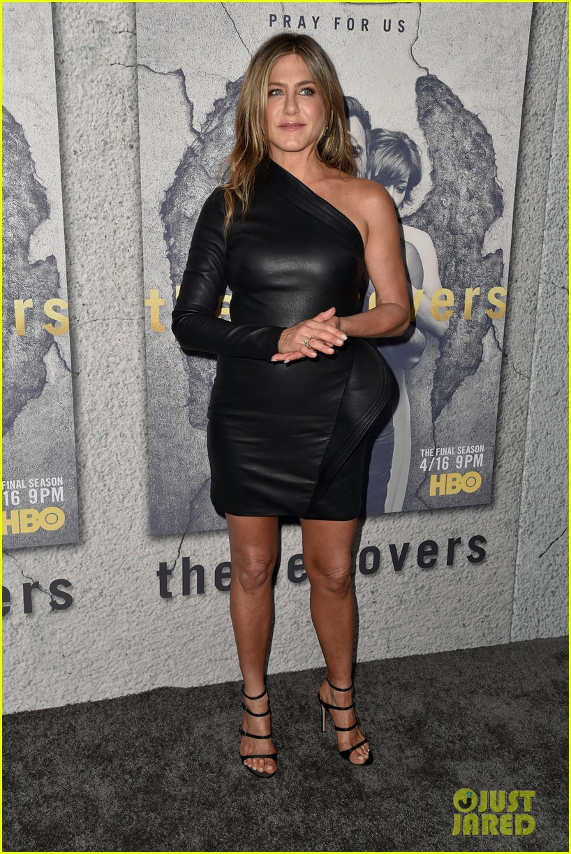 jennifer aniston justin theroux the leftovers premiere 143882192