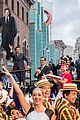 jimmy fallon brings his wife kids to ride opneing at universal orlando 01