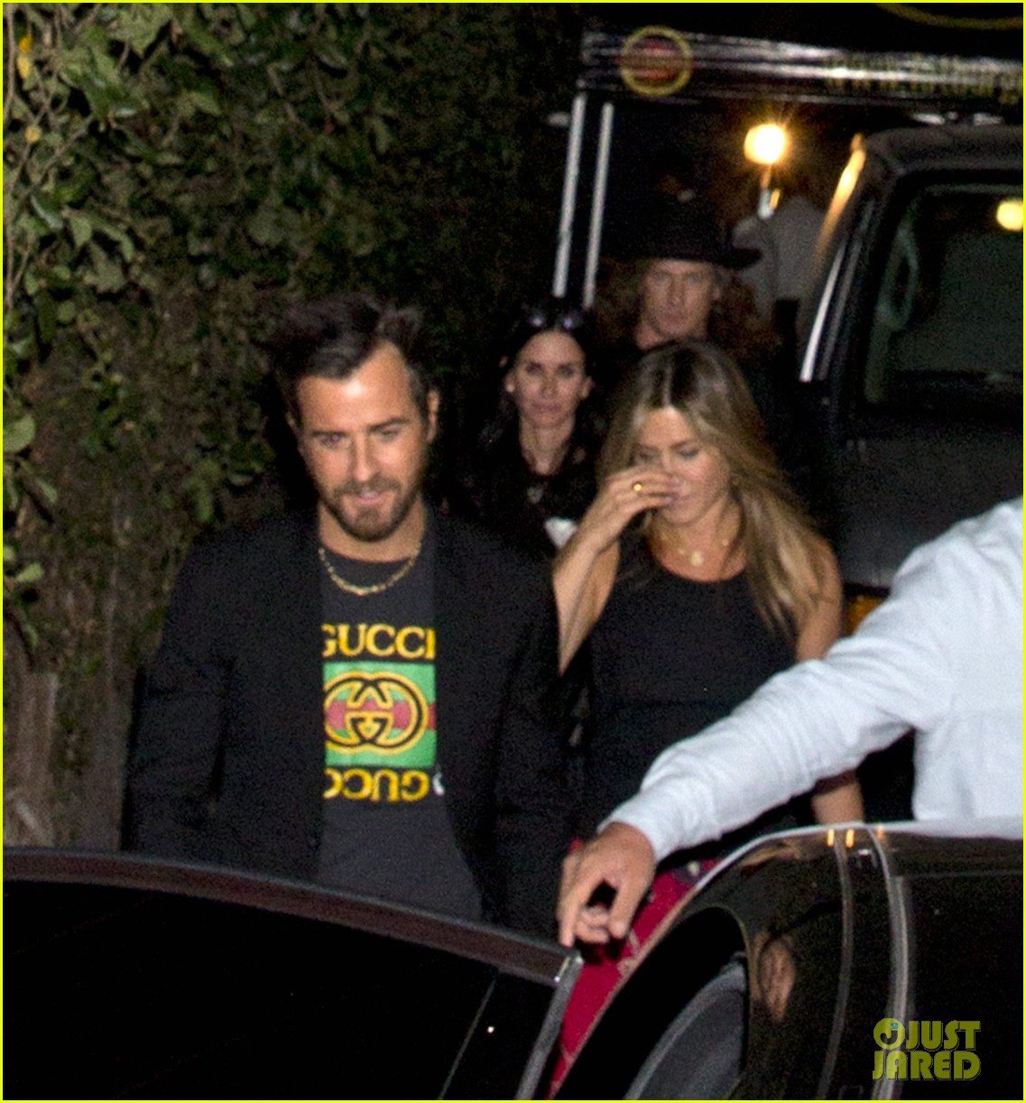 jennifer aniston courteney cox bday party 033889674