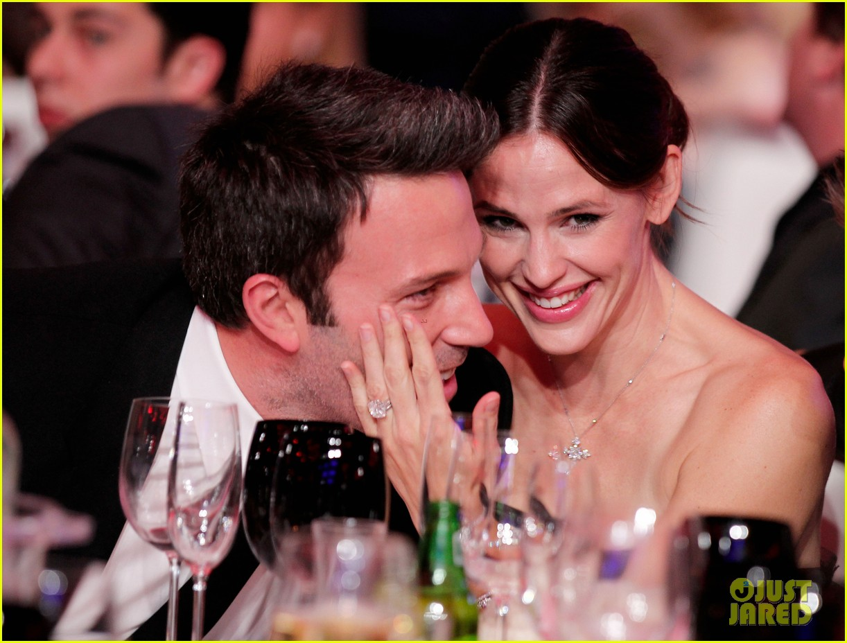 ben affleck jennifer garner file for divorce years after split 023885495