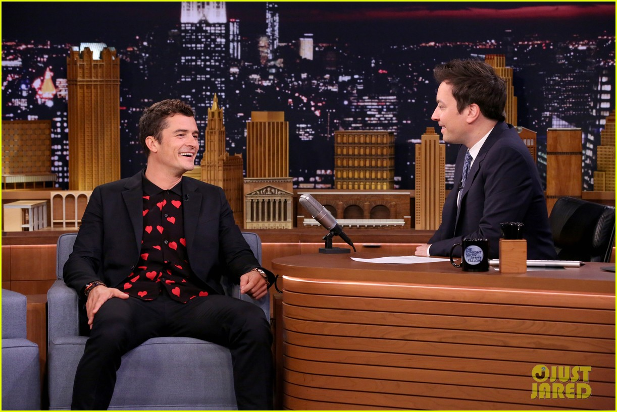 orlando bloom faces off against jimmy fallon on the tonight show 023905384