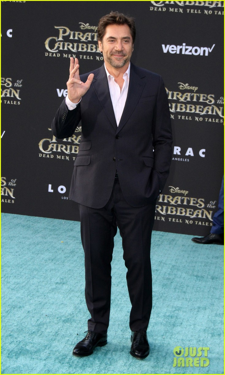 johnny depp orlando bloom premiere pirates in hollywood 193901322