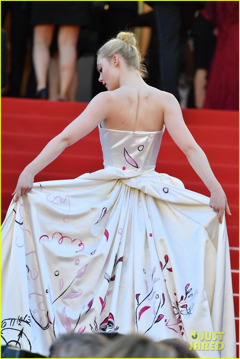 elle fanning dress details lily rose depp cannes opening ceremony 033900399