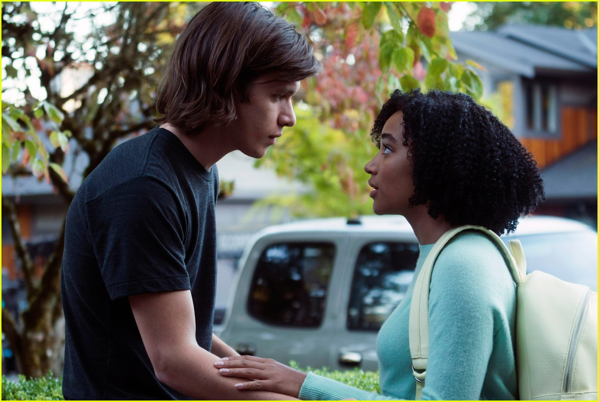 nick robinson amandla stenberg interview 023897629