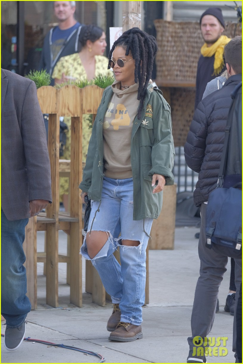 rihanna re shoots oceans eight set 033895226