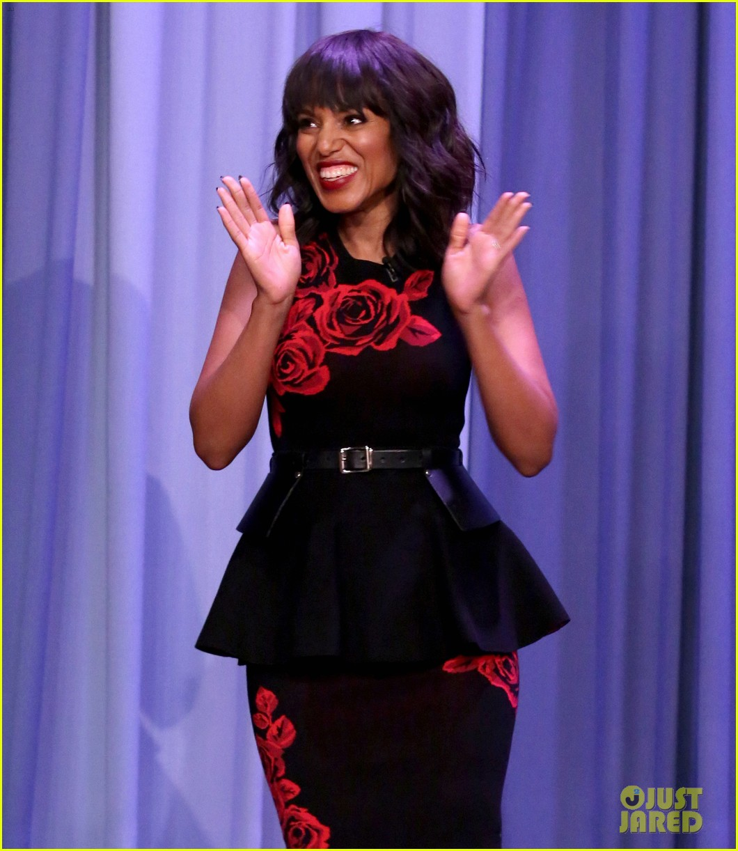 kerry washington jimmy fallon sing it out for whisper challenge 013900852