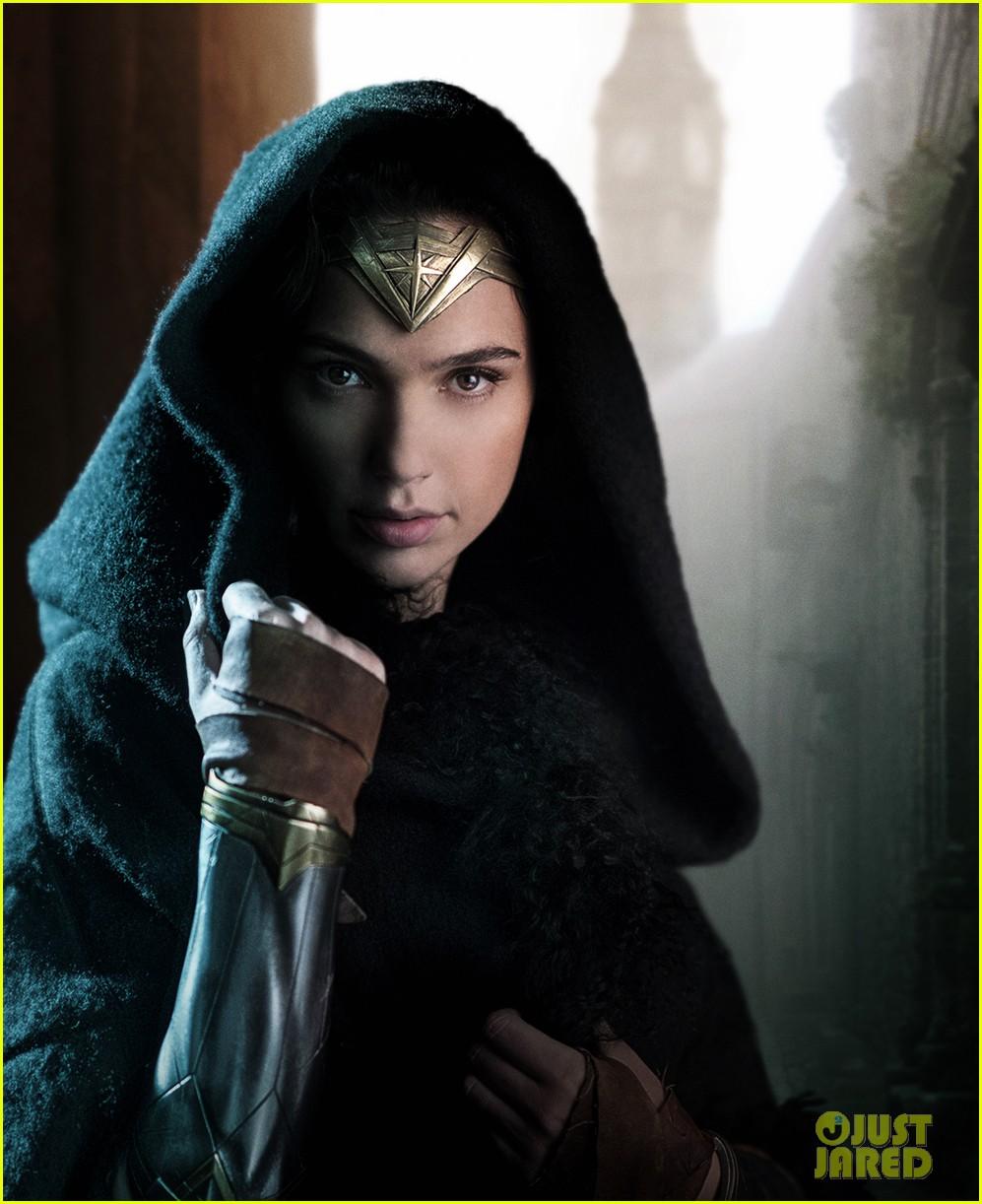 wonder woman movie stills gal gadot 043901499