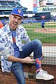 dave annable throws out first pitch at ny mets game 07