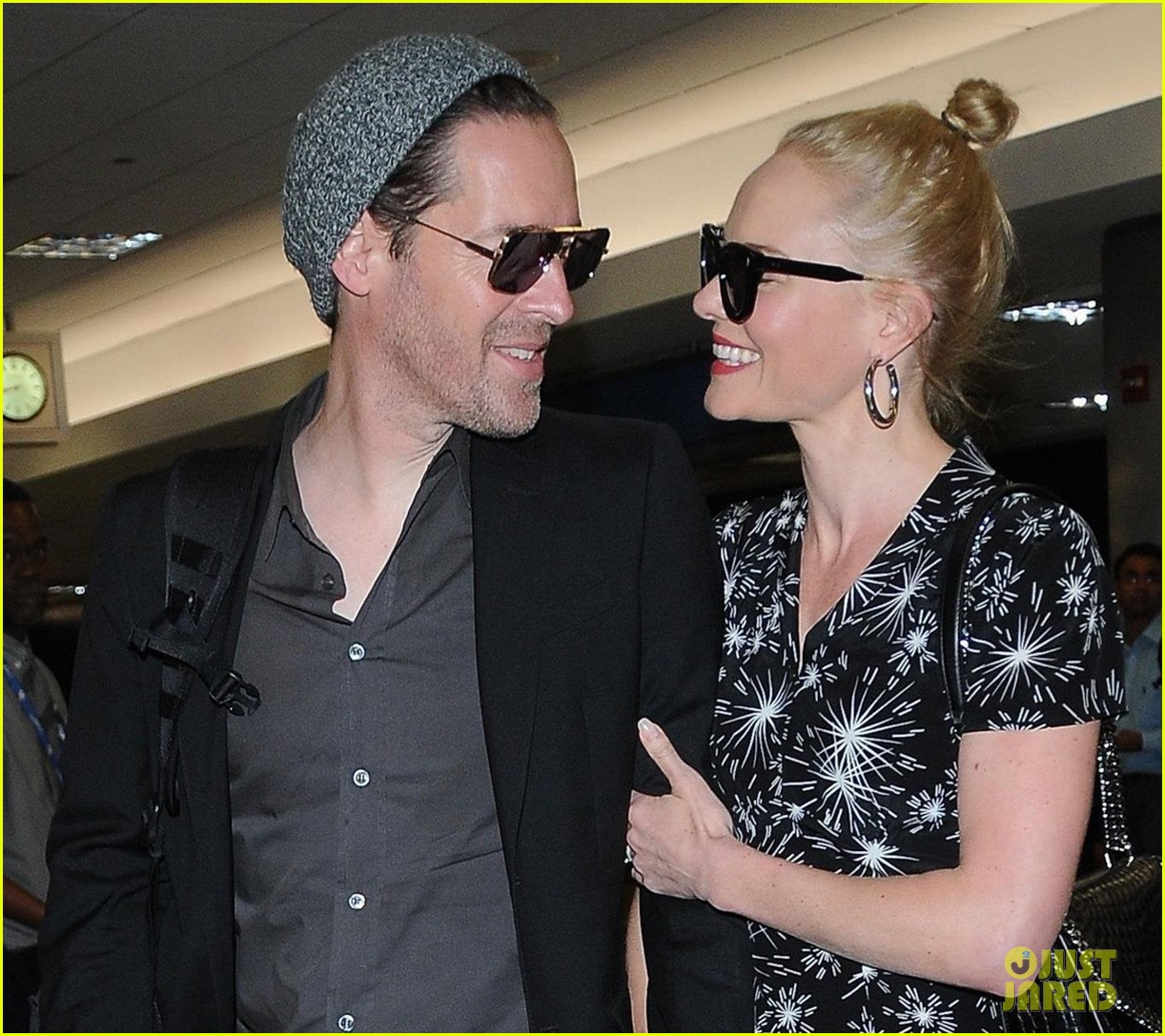 kate bosworth and husband michael polish are smitten at lax 043915959