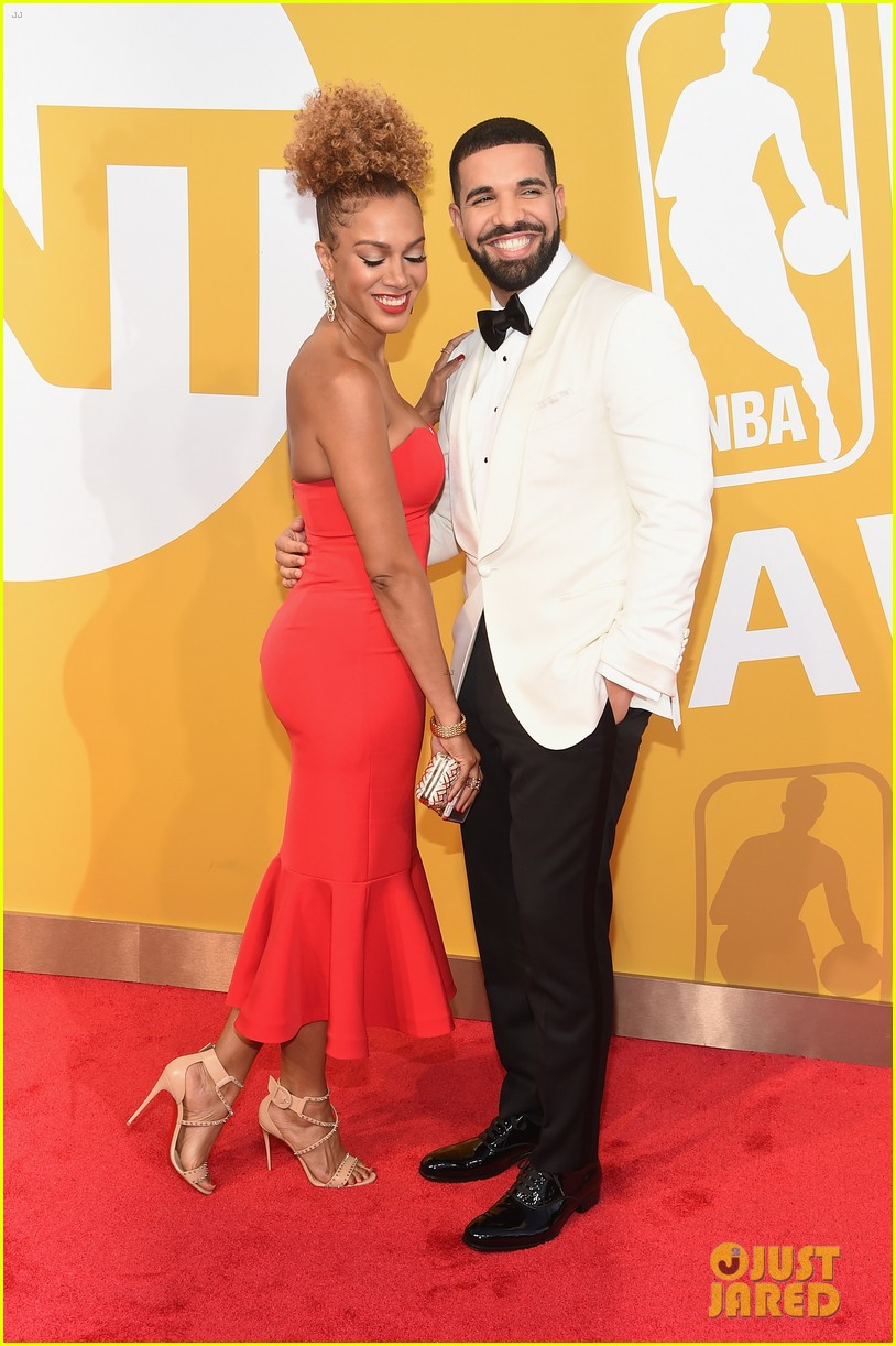 drake brings basketball reporter as his date to nba awards 2017043920400