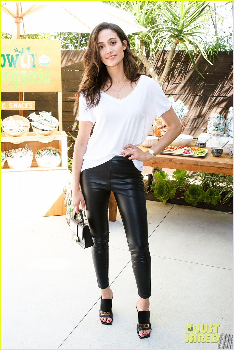 gal gadot joins famous friends at nPhilanthropy give back party 013921552