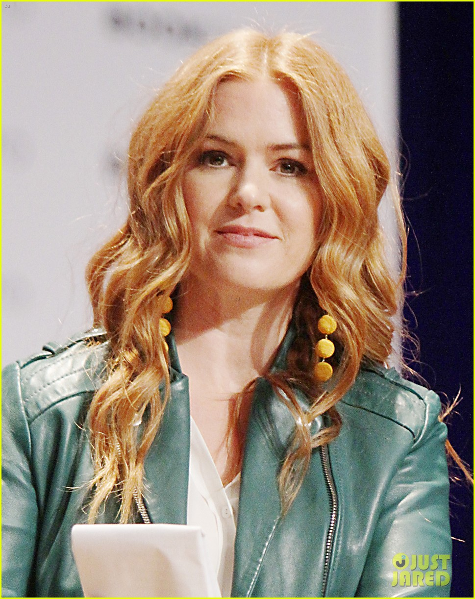 isla fisher neil patrick harris promote projects at bookexpo 043908626
