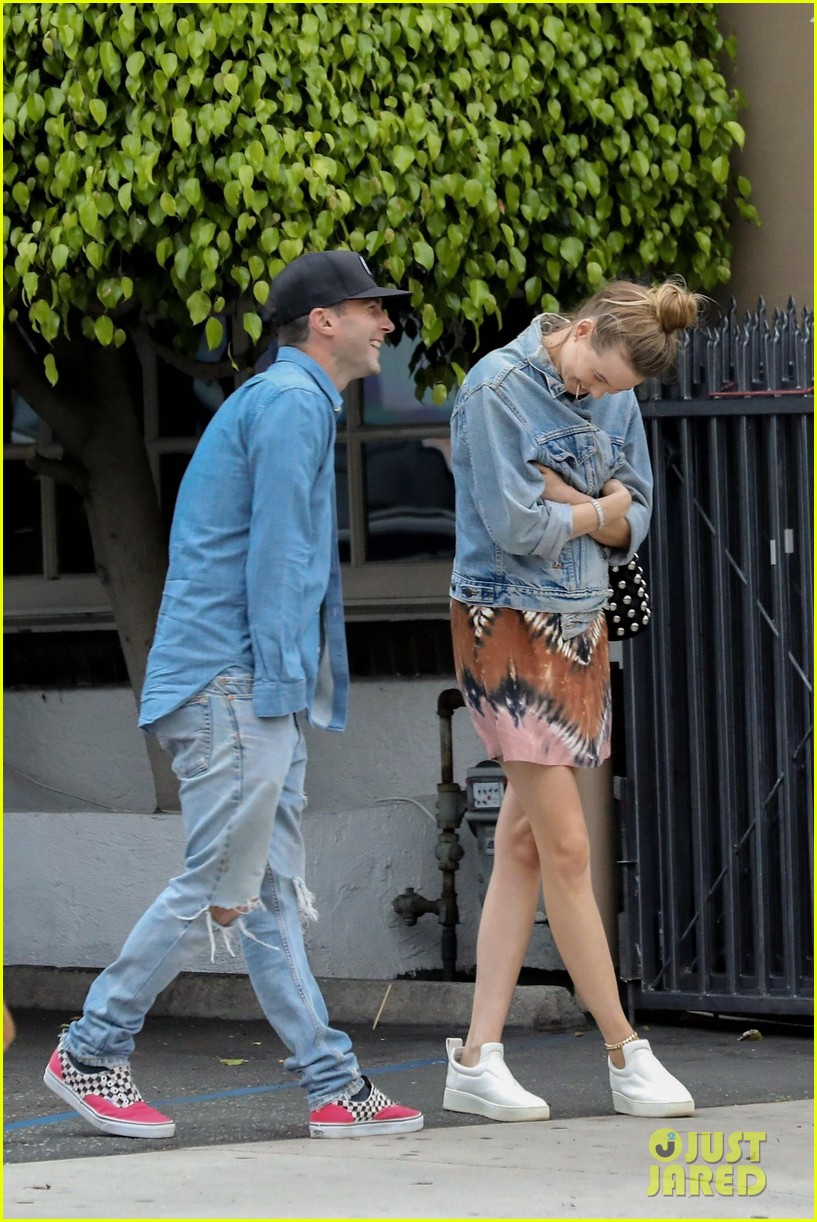 adam levine behati prinsloo flaunt cute pda on date night 493919957
