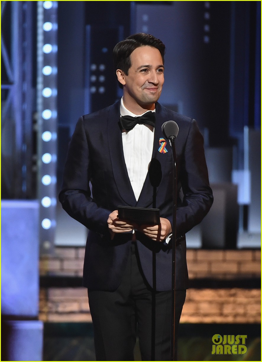 lin manuel miranda says robin wright tonys appearance was a surprise 023913357