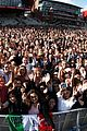 one love manchester benefit concert crowd photos 09