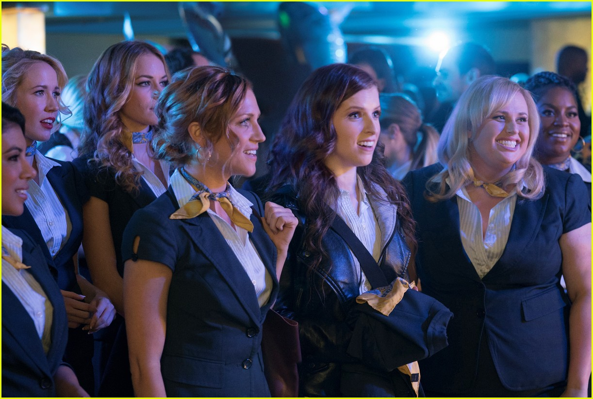 pitch perfect 3 trailer watch the bellas head overseas 053919248