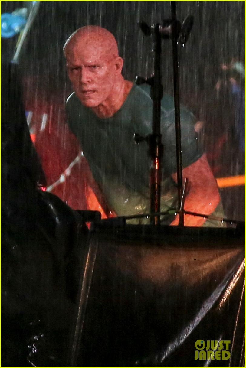 Ryan Reynolds' Deadpool Is Unmasked for Rainy Sequel Scene ...