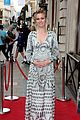 pregnant julia stiles cradles baby bump at tv premiere 15