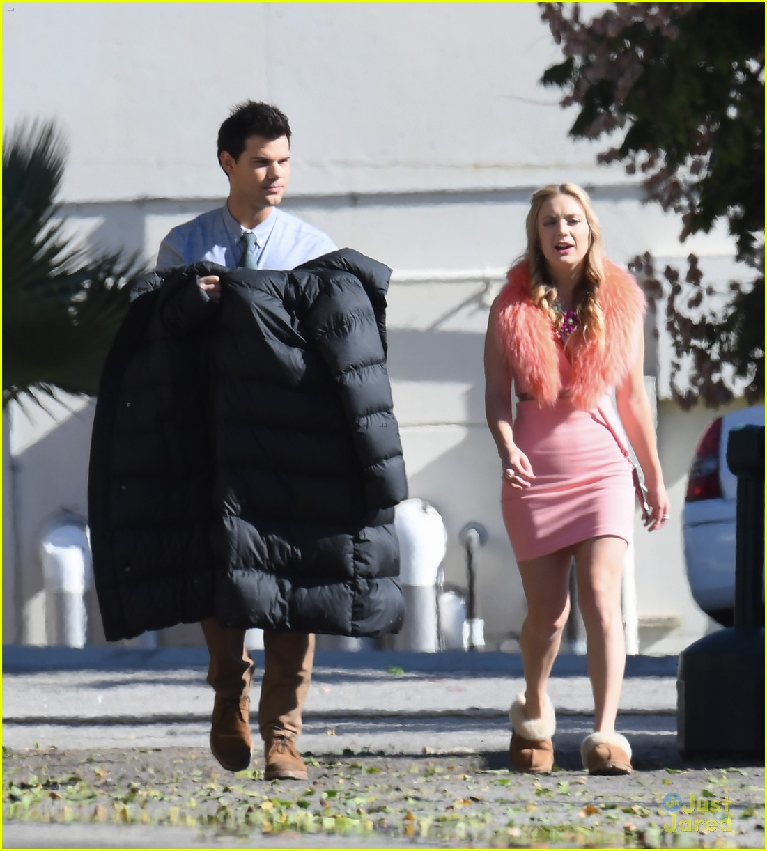 taylor lautner billie lourd husband 033913853