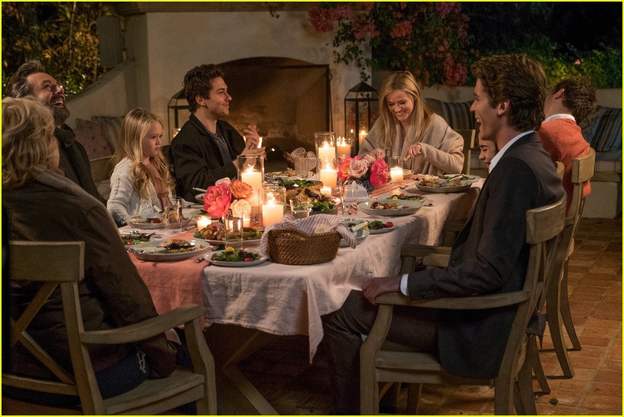 Reese Witherspoon Falls For Younger Guy In 39 Home Again 39 Trailer Phot