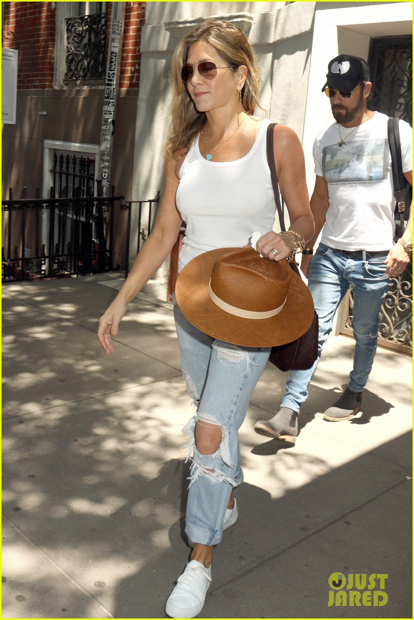 jennifer aniston justin theroux out in nyc 033930307