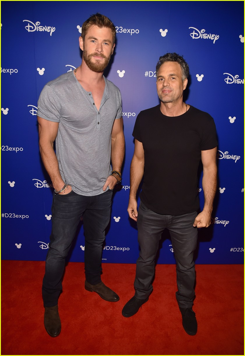 avengers assemble to debut infinity war footage at d23 013928583
