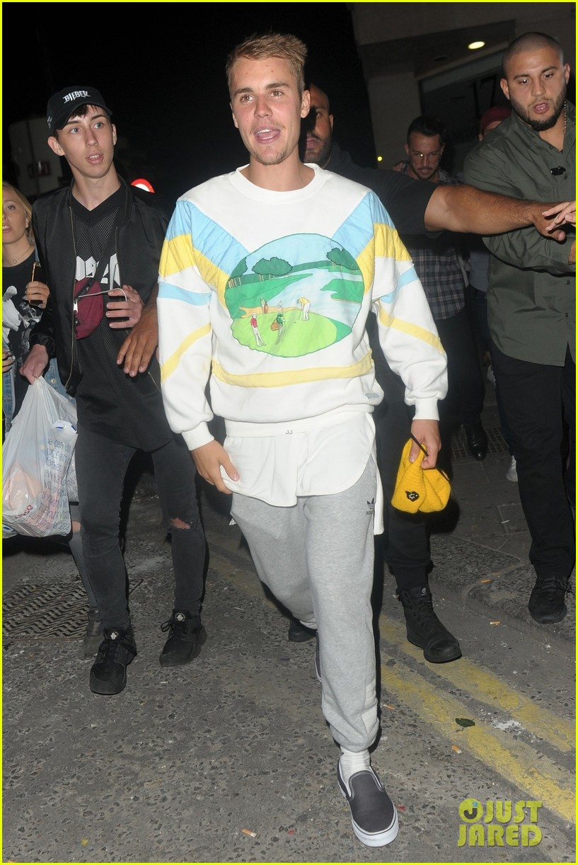 justin bieber hits the town for a night out053922431