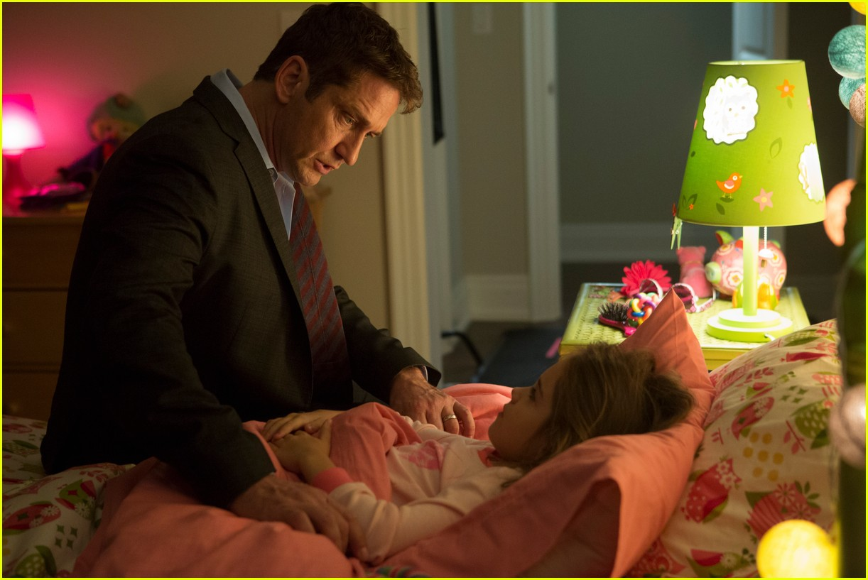 gerard butler family man stills 093930066