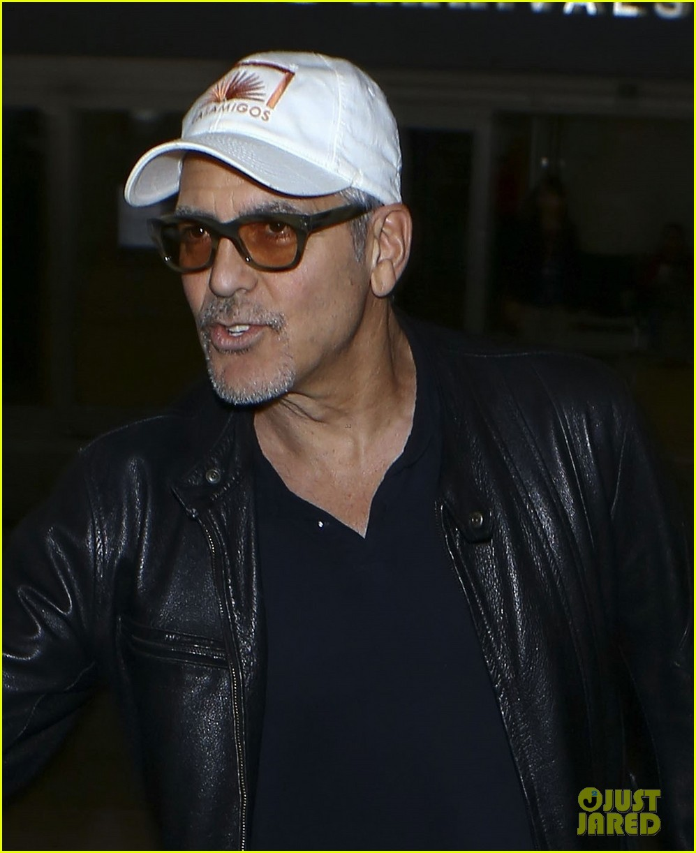 George Clooney back in the US July 2017 George-clooney-wraps-up-italy-trip-in-leather-jacket-and-casamigos-hat-02