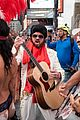 billy ray cyrus performs as still the kings burnin vernon brown in times square 03