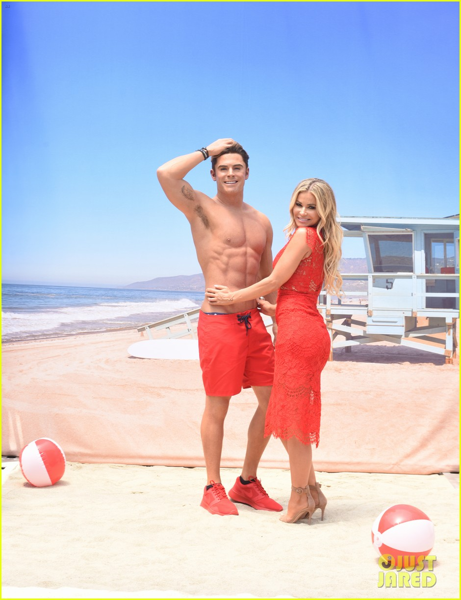 zac efron has a shirtless wax figure it visited the beach 123928835