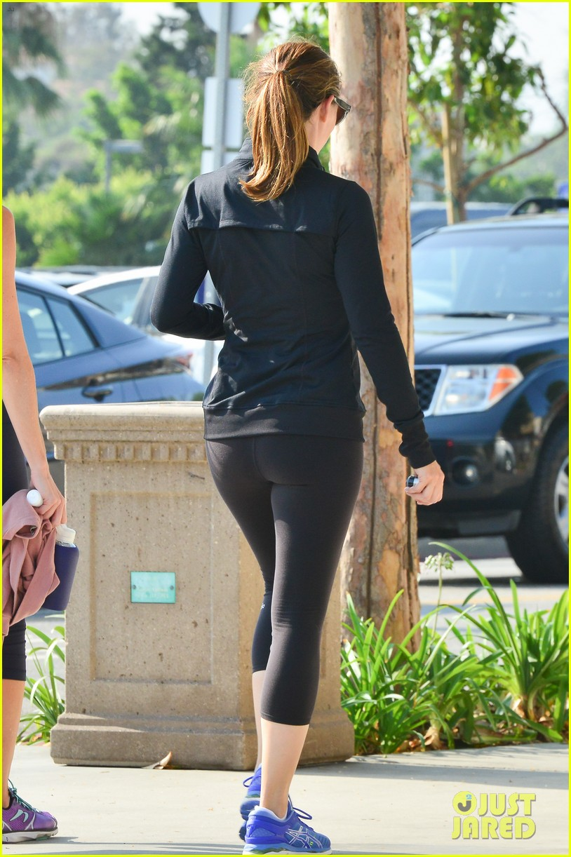 Jennifer Garner Emerges Amid Reports That She Confronted