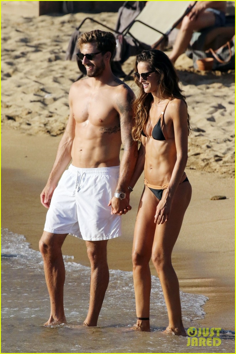 izabel goulart boyfriend kevin trapp flaunt pda at the beach 073925950