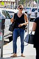 jennifer garner all smiles tank car 03